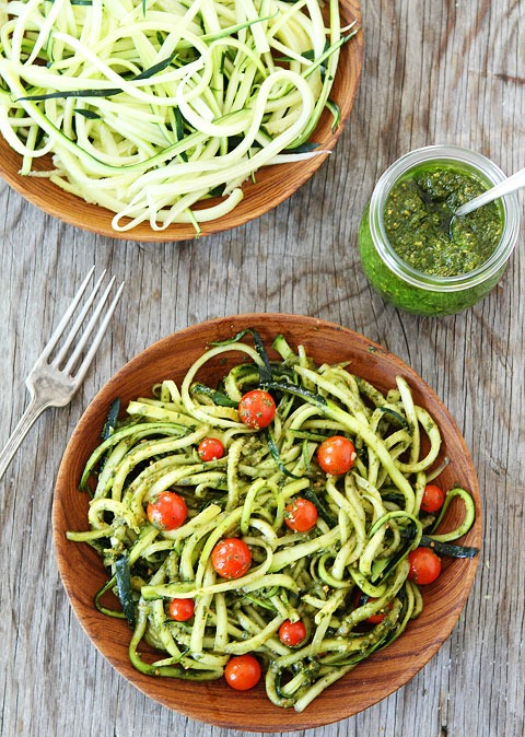 Zucchini-Noodles-with-Pesto-4