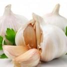 4 Reasons You Should Be Eating MORE Garlic