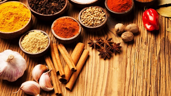 Spices-Herbs_195759653-760x428