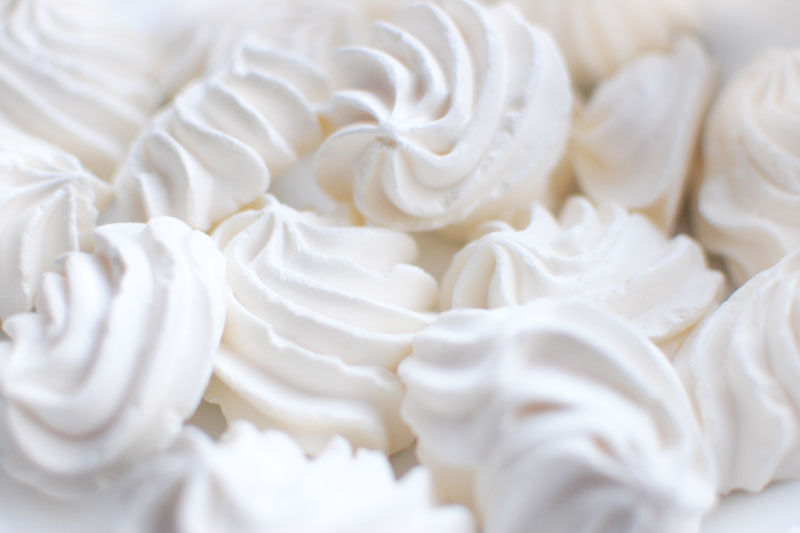 dainty meringue cloud cookies