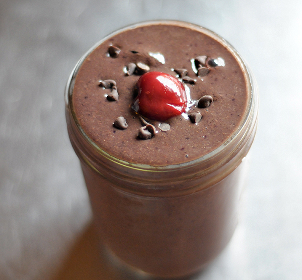 Chocolate-covered-cherry-smoothie-recipe600