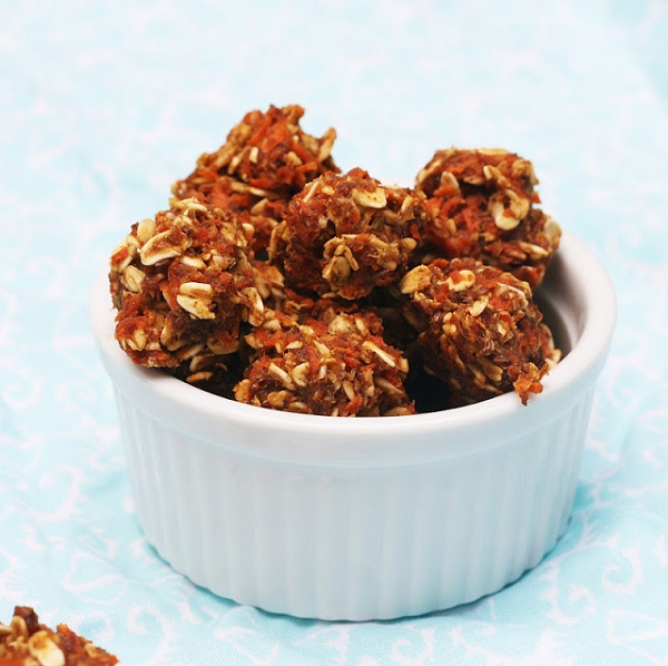 carrot_cake_cookie-balls-600
