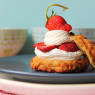 <thrive_headline click tho-post-10120 tho-test-39>Clean Strawberry Shortcake</thrive_headline>