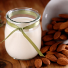 <thrive_headline click tho-post-13927 tho-test-148>9 Ways Your Body Will Thank You for Drinking Almond Milk</thrive_headline>
