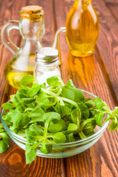 olive oil and arugula boost nutrients