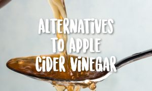 apple cider vinegar on spoon